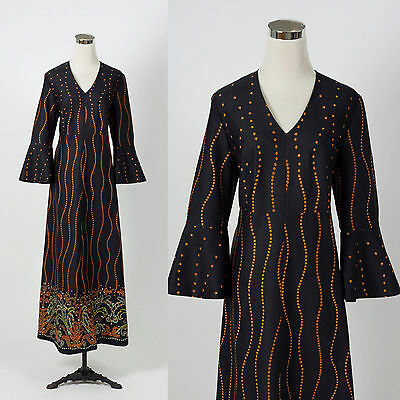 Vintage 1970s bell sleeve maxi dress RETRO BOHO HOSTESS