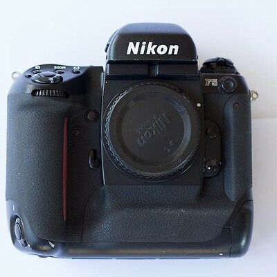 NIKON F5 Professional 35mm Film Camera *excellent, near mint condition*