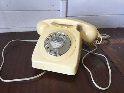 Vintage GPO 746 F Telephone 700 Series Cream dial tone