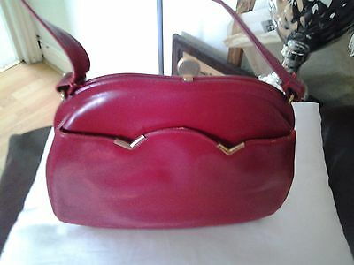 Beautiful Vintage Red Leather Dofan Small  Hand Bag with Gold Trim & Clasp-USED