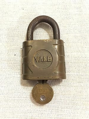 Vintage YALE & TOWNE Brass Padlock Lock with Key WORKING Made in the USA