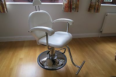 Professional Beauty Chair - Hydraulic Reclining Hairdressing Barbers Threading