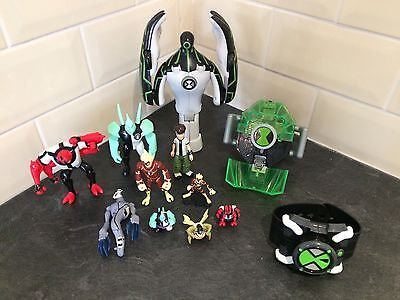 Ben 10 Bundle including Chamber and Omnitrix Watches! Rare!