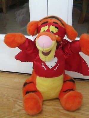 "14"" Super Hero Love Tigger Disney Store Winnie The Pooh Soft Toy"