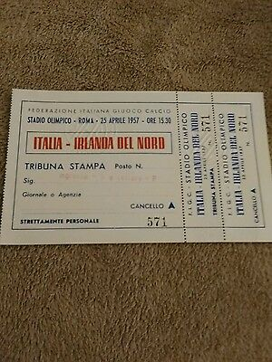 Italy v Nothern Ireland IMMICULATE/UNUSED WORLD CUP GROUP 8 TICKET 25/4/1957