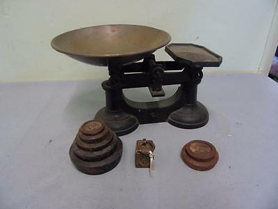 Vintage Cast Iron Weighing/Kitchen Scales With Cast Iron Weights
