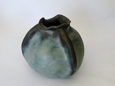 A STUDIO POTTERY   vase,sculpture