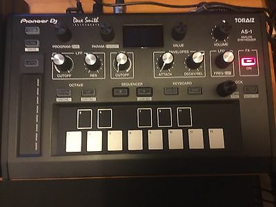 Pioneer dj Dave Smith Toraiz AS-1 Analogue Synthesizer