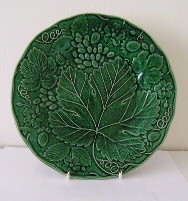 Antique Pair Majolica Pottery Plate Grape & Strawberry Leaf Twine c1900 Wedgwood