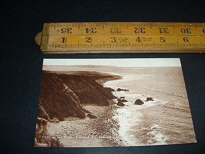 IRELAND CLIFFS AT THE BLOODY FORELAND Co DONEGAL  RP POSTCARD  1920/30