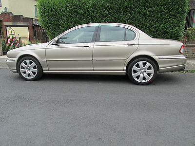 JAGUAR X-TYPE SALOON - 2.5 V6 SE AWD 4dr Auto, Service History, 1 Former Keeper