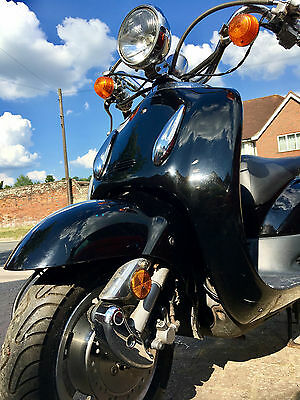 Honda SRX50W Shadow Automatic Scooter/Moped 50cc ONCE OWNED BY JAMIE OLIVER !