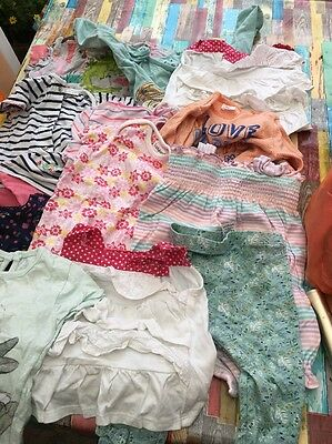 bundle of baby girls clothes 6-18 Months