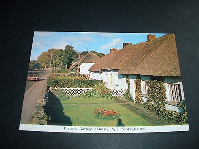 IRISH. POSTCARD  THATCHED COTTAGES AT ADARE Co  LIMERICK    IRELAND