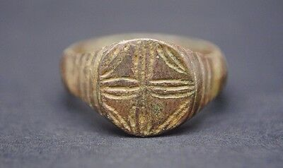 Medieval Bronze Decorated Finger Ring 13Th - 15Th Century Ad