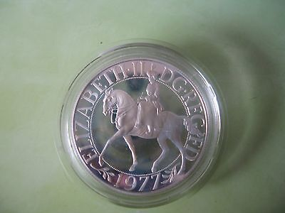 British Crown 1977 Qe11 Silver Coin In A Case
