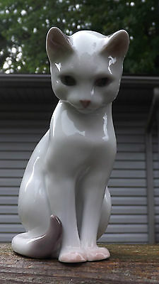 B & G Bing and Grondahl white Siamese Cat 2453 DENMARK A+++ FIGURINE