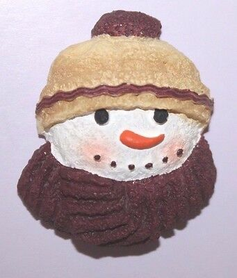 Holiday Snowman with scarf Vtg pin brooch