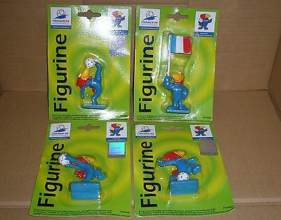 4 France '98 Football World Cup mascot Figurines shooting overhead throw in flag
