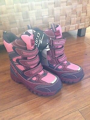 L@@K Kids Crane Snow Boots New With Tags - size 11