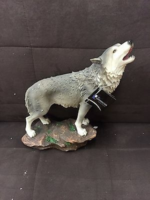 Call of the Wilderness DKW STATUE WOLF FIGURINE DECORATION