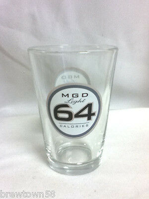 Miller MGD Light 64 Calories 1 pint beer glass glasses pub rec room bar  KN1