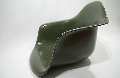 Charles EAMES Dark Olive Green ARM SHELL 1960's production