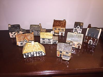 10 Set of TEY POTTERY Britain in miniature, Suffolk Cottages, MUDLEN ENO Houses