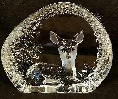 """Mats Jonasson Swedish Etched Glass Fawn Deer Paper Weight 4.75"""" X 3.75"""" Signed"""