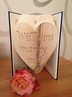 """Gefaltetes Buch """"Will you marry me?"""""""