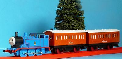 Hornby Thomas The Tank Engine, Annie And Clarabel Battery Powered & Push Along