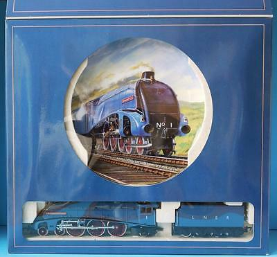 NEW HORNBY ROYAL DOULTON R649 A4 SIR RONALD MATTHEWS with CERTIFICATE No 2