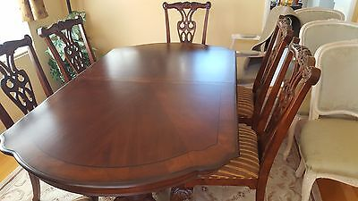Dining table + 8 chairs Chippendale Style Claw Foot wood inlaid   BEAUTIFUL !