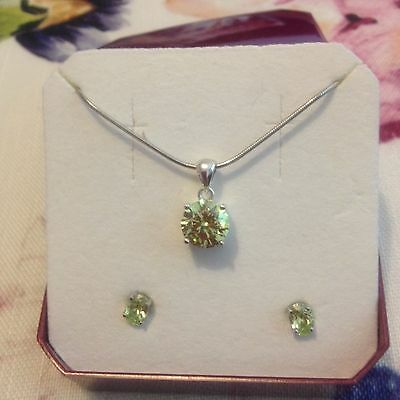 925 Sterling silver hallmarked necklace and earring set with green gemstone