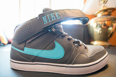 f597de2da7bf Pre-Owned Nike Mid Top Casual Basketball Shoes Azure Green White Gray US