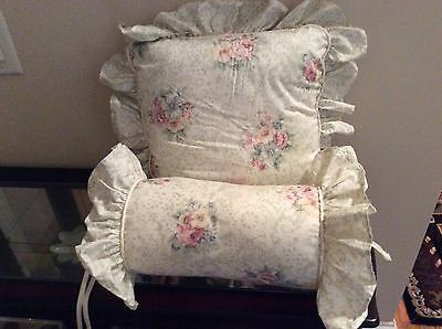 "jessica mcclintock pillow and 11"" neck roll, cameo lace, nwt"