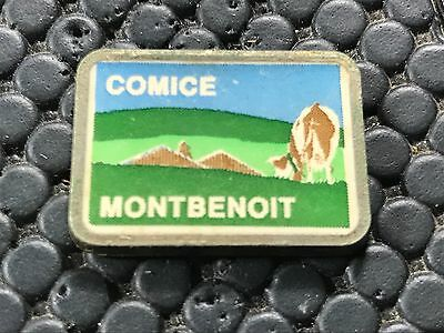 pins pin BADGE ANIMAUX VACHE COW COMICE MONTBENOIT