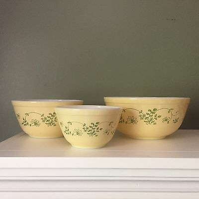 Set of 3 Pyrex Shenandoah Mixing bowls 401, 402, 403 Good Shine Yellow Green