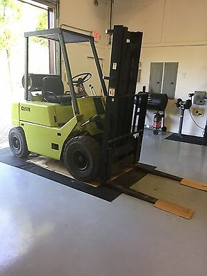 Clark Model C500Y40, 4000# Pneumatic Tired Forklift 6400 hrs Great Condition LP