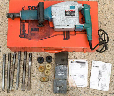 Bosch Demolition Hammer. Model 11305 w/ Carrying Case & Extras. Good condition