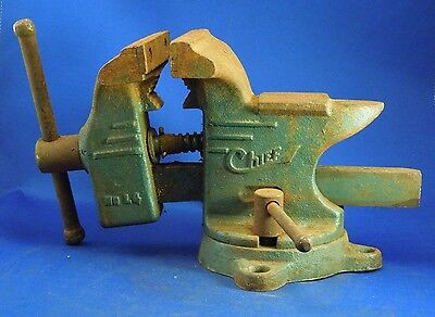Vintage No. 14 Chief Green Swivel Bench Vise