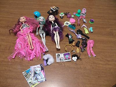 Monster High Doll Lot of 3 Dolls With Clothes & Accessories