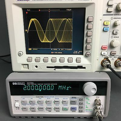 HP/Agilent 33120A Function/Arbitrary Waveform Generator 15Mhz, OPT. 001, TESTED