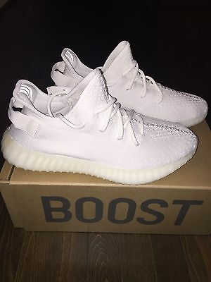 Yeezy Boost 350 V2 cream white size 9.5 US men