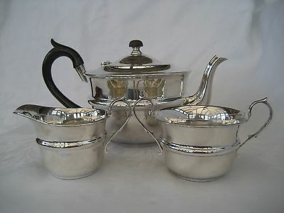 ART DECO SOLID SILVER TEA SET - Birmingham, 1931.