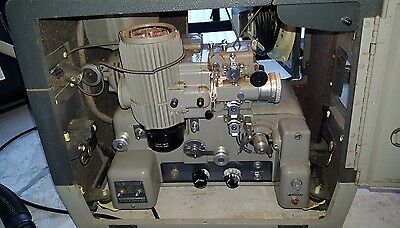 16mm Projector Vintage very good condition