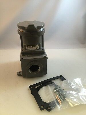 NEW T&B RUSSELLSTOLL JRFR334H 30-Amp PIN&SLEEVE CONNECTOR 600V 30A THOMAS BETTS