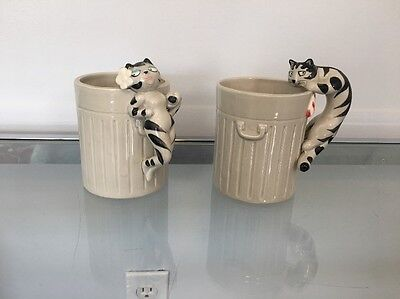 TAKAHASHI TOM CAT & GIRLFRIEND GARBAGE CAN MUGS 2 Piece Ceramics 70s 80s kitsch!