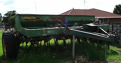 Seed Drill Horwood Bagshaw 28 Row High Lift