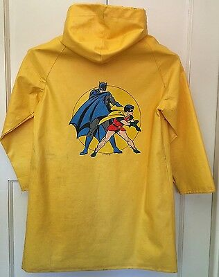 Vintage 1975 BATMAN & ROBIN Yellow Raincoat DC Comics Collectable Fabil CH Sz 10